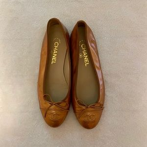 Gorgeous pre owned Chanel Flats size 37